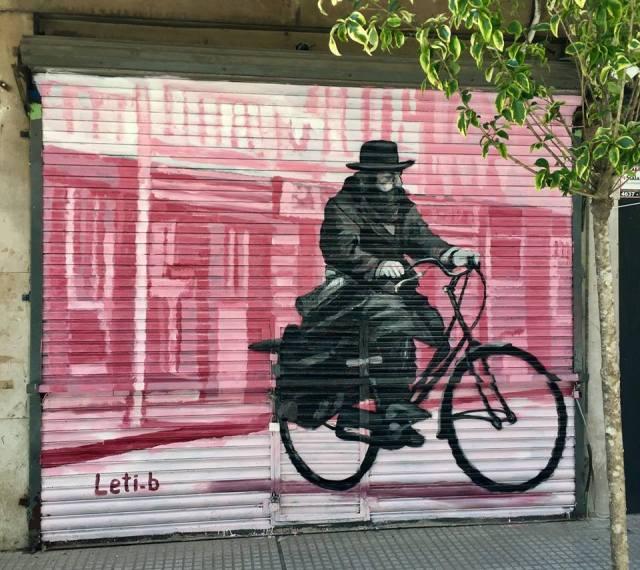 Leticia Bonetti mural en Once