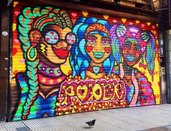 Arte Urbano para Empoderar a las mujeres, persianas Buenos Aires