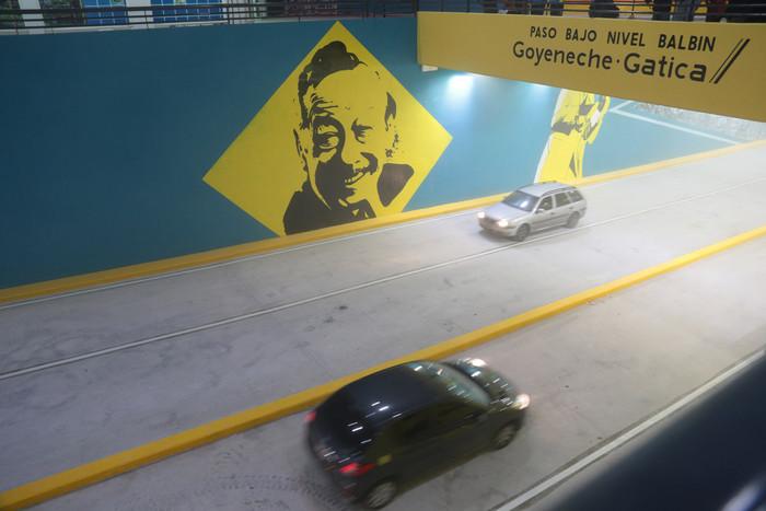 Bajo Puente Mural Goyeneche Gatica
